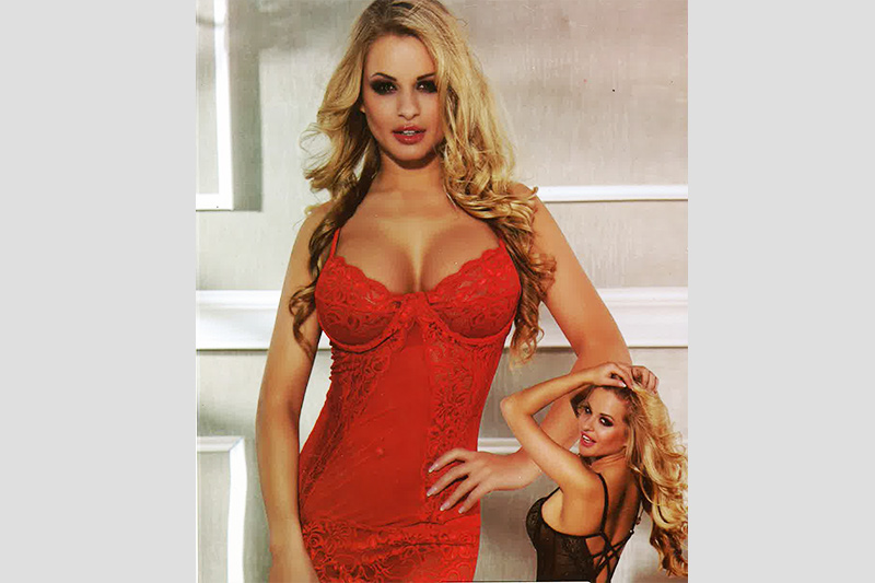 Baby Doll Pepe in Pizzo Rosso